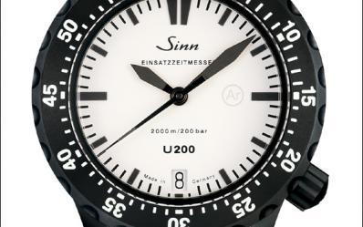 深海女潜艇:德系Sinn U200W驾驭两千米深海