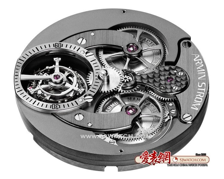 名家细谈手表自产机芯  (点击图片翻页)