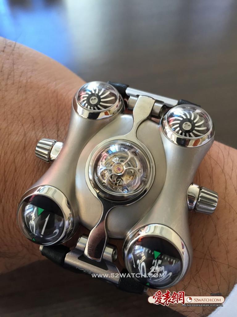上手点评:可以在外太空使用的手表MB&F HM6 space pirate腕表  (点击图片翻页)