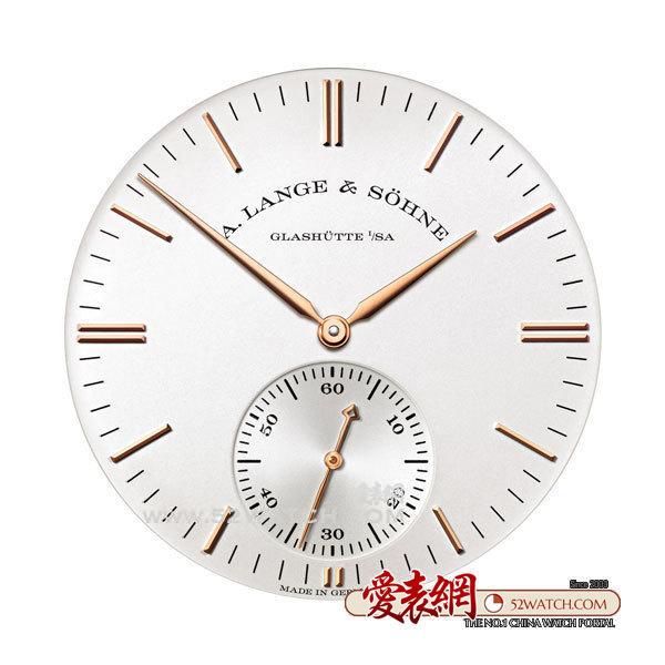 朗格Saxonia Automatic 率先抵达中国  (点击图片翻页)