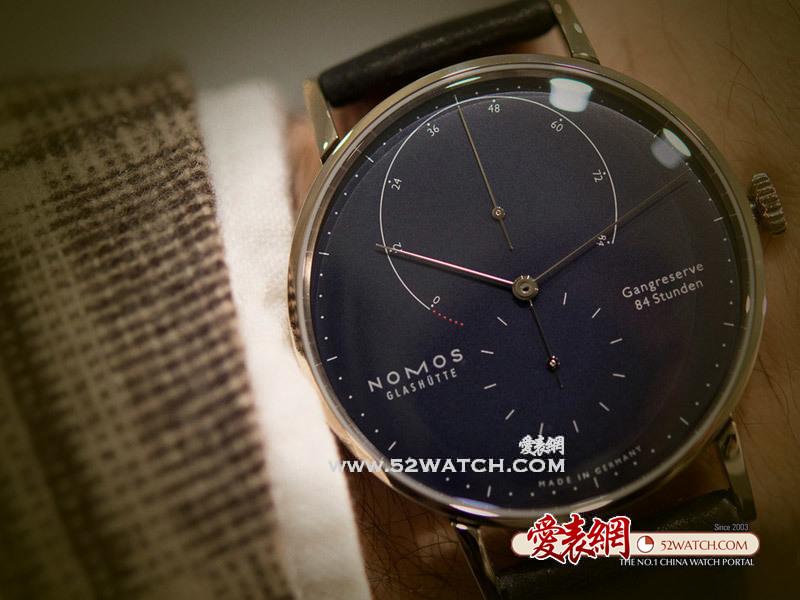 上手点评:极致包豪斯风格德国Nomos Lambda腕表