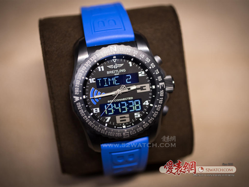 百年灵外太空计时B55腕表 重塑智能交互腕表