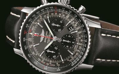 百年靈推出航空計時01腕表限量版