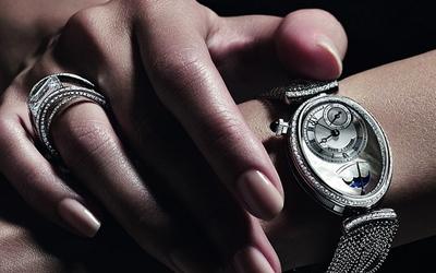 每個女人心目中都有一枚寶璣那不勒斯系列腕表